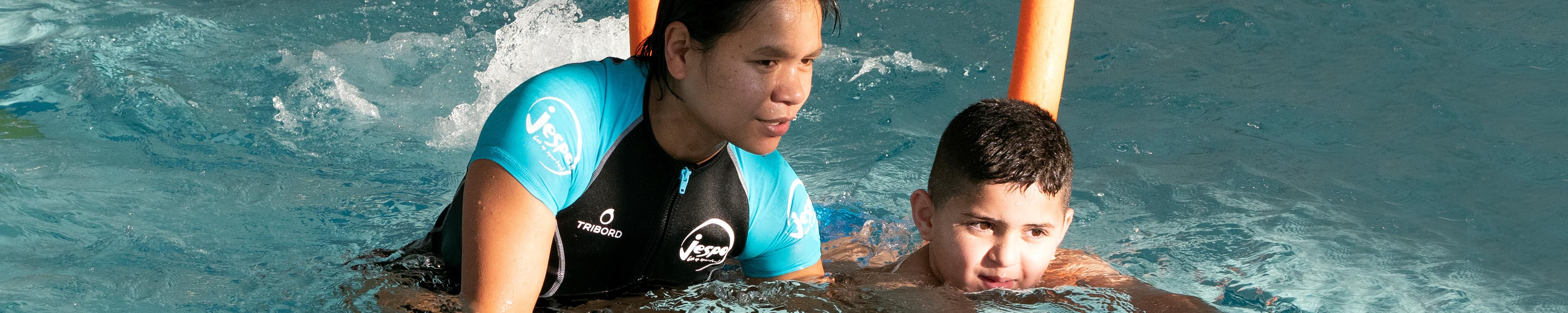 4000×800 – Vrijwilliger zwemmen